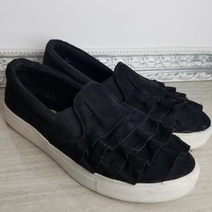 MIA margaret slip on ruffle platform sneakers 7.5M